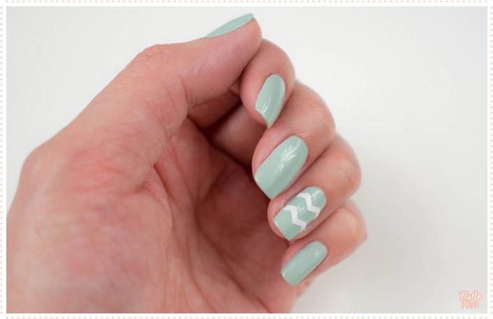 rayure-chevrons-stickers_nail-art_hellokim_01