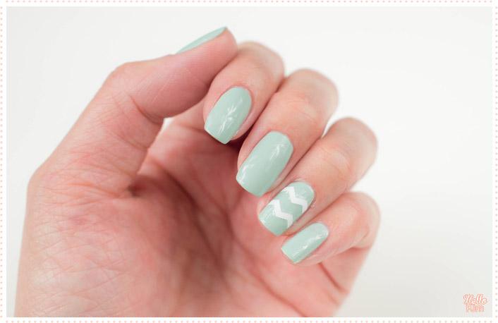 rayure-chevrons-stickers_nail-art_hellokim_04
