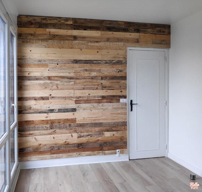 Mur en bois de palette par Les Bricoleries