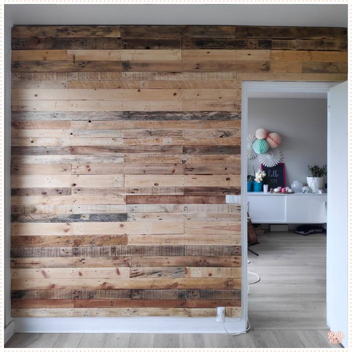 Mur décoré en bois de palette